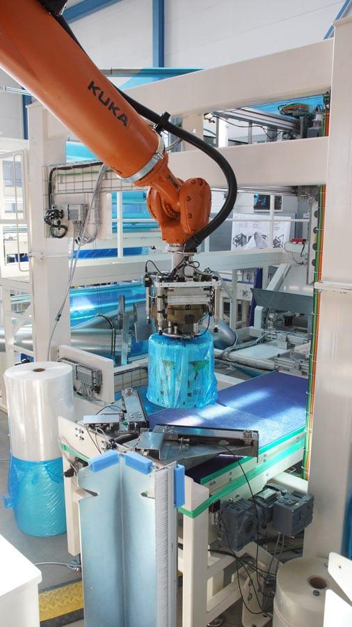 Der Robot Flex Packer verpackt Ihre Rollen
